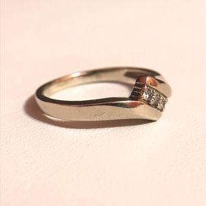 Jewelry - 10k WG Genuine brilliant cut Diamond Ring